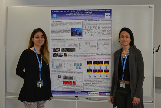 Las investigadoras de la UPC Elaine Armelin (derecha) y Sonia Lanzalaco (izquierda)