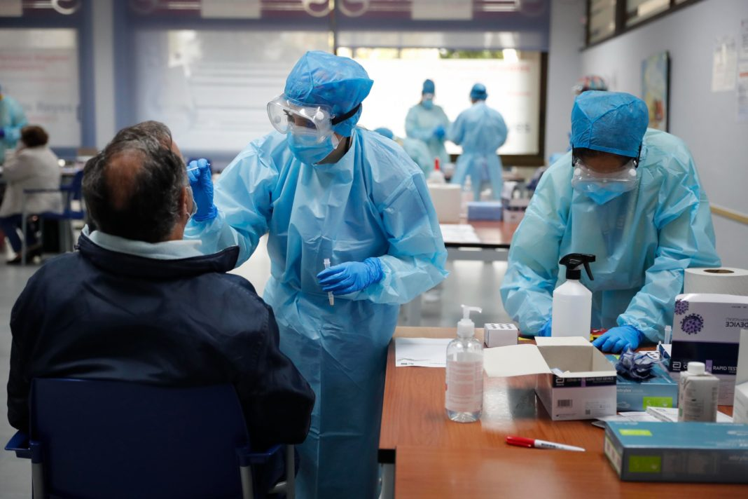 Realización de tes de antígenos en la Comunidad de Madrid